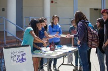 Gift of Vision members sell ice cream for their fundraiser. Photo by Elvis Li.